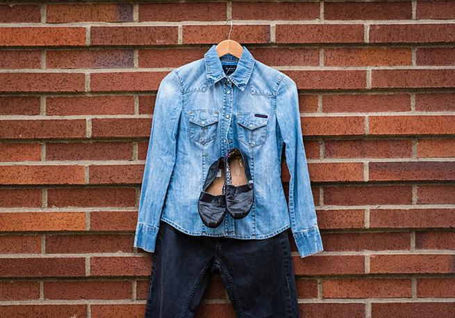 Jean shirt, jeans and Toms.
